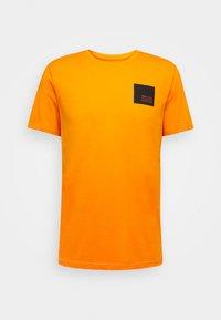 Solid - DAVE - Print T-shirt - orange pee - 4