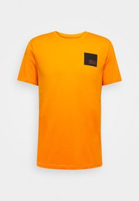 DAVE - Print T-shirt - orange pee