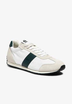 Zapatillas de tenis para moqueta sintética - off wht/dk grn
