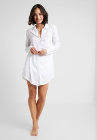 Hanro - DELUXE NIGHTDRESS - Nightie - white - 1