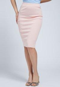Guess - Pencil skirt - rose - 0