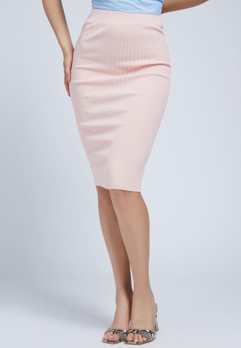 Guess - Pencil skirt - rose