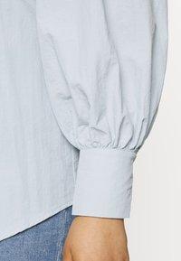Missguided Plus - SLEEVE SHIRT - Button-down blouse - blue - 4