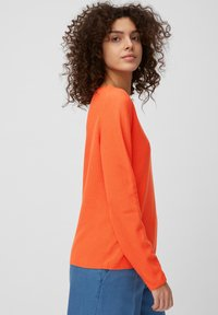 Marc O'Polo - LONGSLEEVE SOLID STRUCTURED SEAMLESS - Jumper - orange - 3