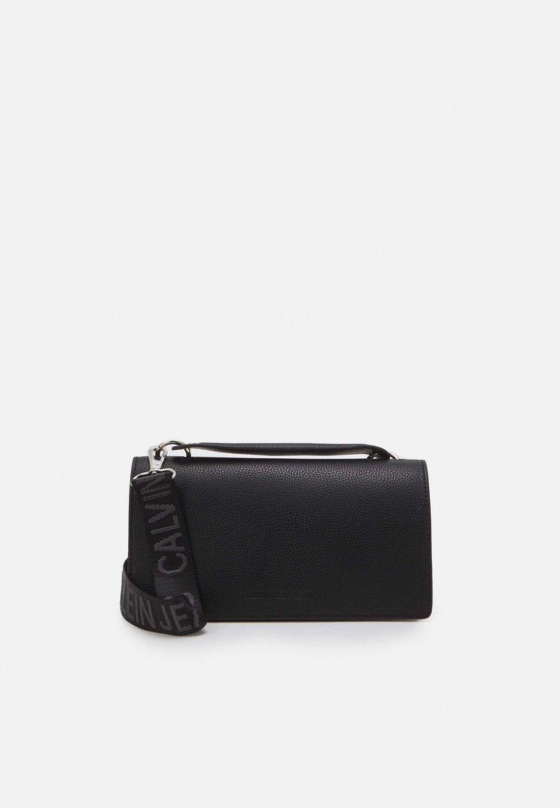 Calvin Klein Jeans - FLAP CROSSBODY - Handtas - black