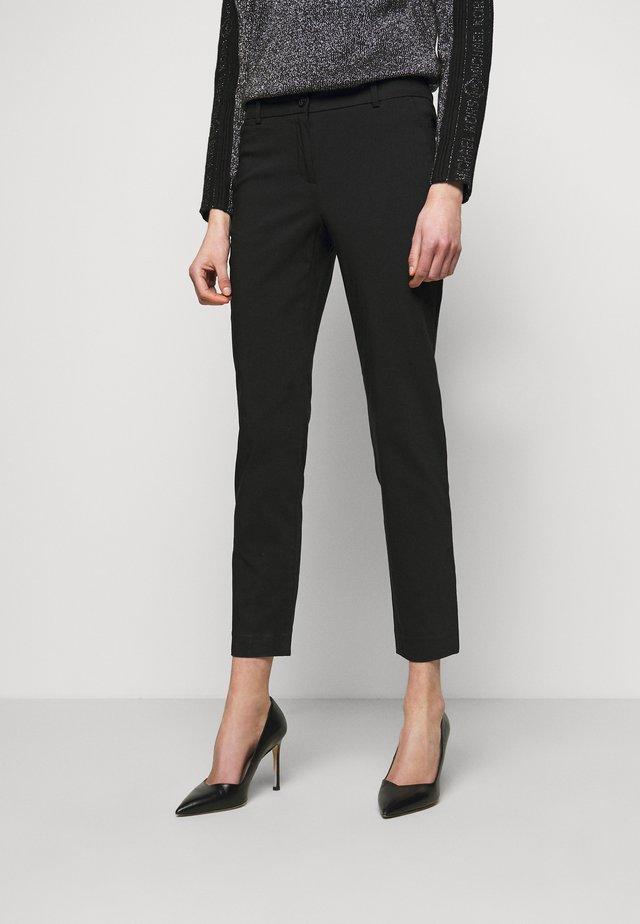 STRETCH MIRANDA PANT - Kalhoty - black
