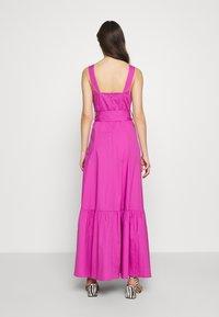 IVY & OAK - STRAP DRESS ANKLE LENGTH - Vestido informal - super pink - 3