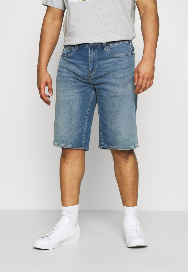 BERMUDA - Shorts di jeans - blue denim