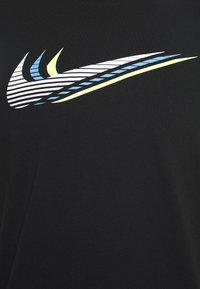 Nike Sportswear - TEE - T-shirt med print - black/white - 2