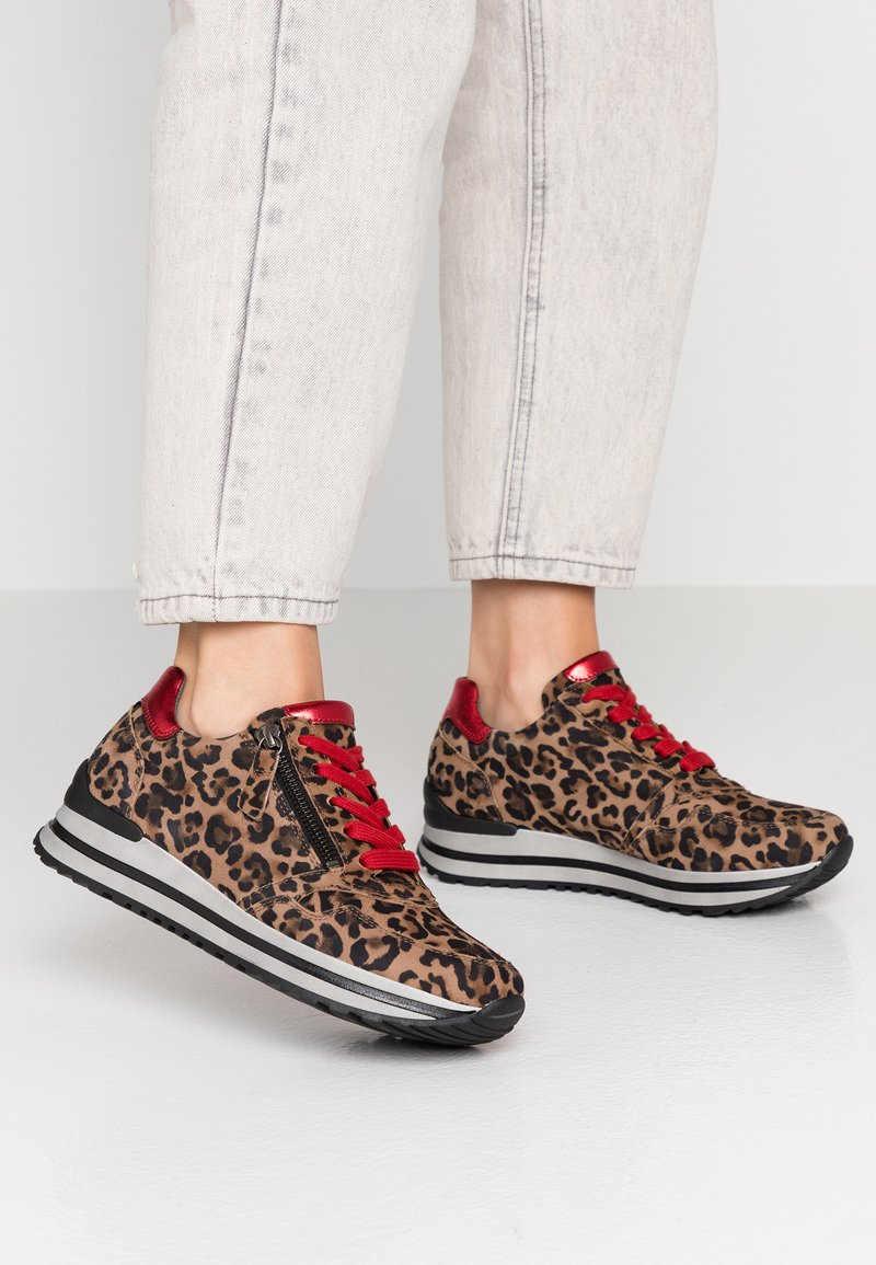 Gabor - WIDE FIT - Trainers - savanne/rosso