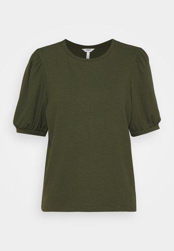 OBJJAMIE  - T-shirts - forest night