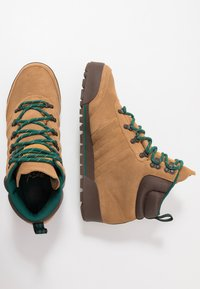 adidas Originals - JAKE BOOT 2.0 - Botki sznurowane - raw desert/brown/collegiate green - 1