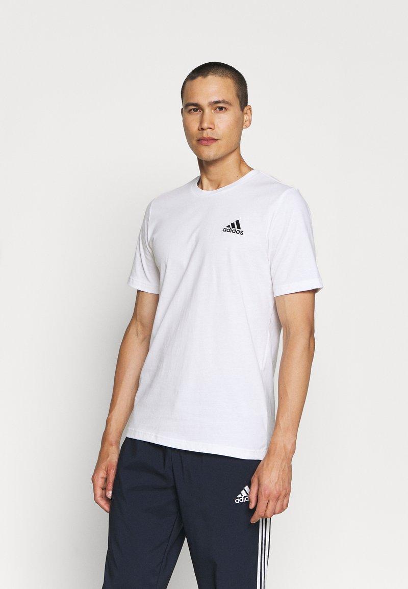 adidas Performance - ESSENTIALS - T-shirts basic - white/black