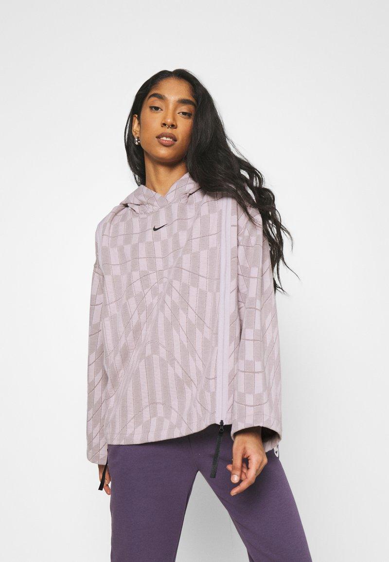 Nike Sportswear - HOODIE - Sweatshirt - platinum violet/taupe haze/black