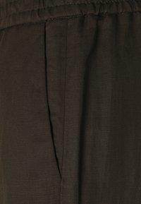 Marc O'Polo PURE - WIDE LEG PANTS ELASTIC WAISTBAND - Trousers - khaki - 2