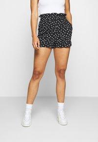 Topshop - FRILL PAPERBAG SHORTS - Shorts - white/black - 0