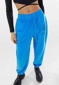 Bershka - Pantaloni sportivi - blue - 3
