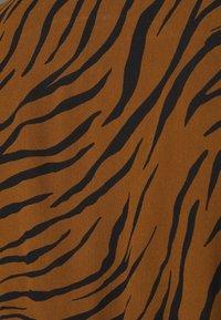 Faithfull the brand - FLORIAN WRAP DRESS - Denní šaty - kenya - 6