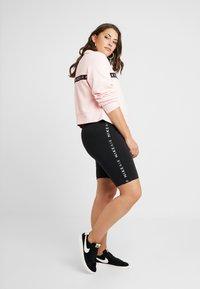 Nike Sportswear - Sweatshirt - echo pink - 1