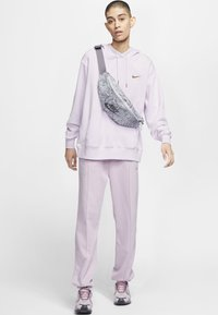 Nike Sportswear - HOODIE - Hoodie - barely grape/iced lilac - 1