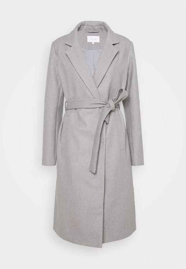 VIPAKA COOLEY TIE BELT  - Cappotto classico - light grey melange