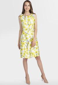 Apart - Robe d'été - cream yellow - 1