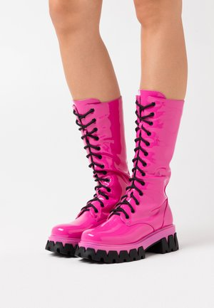 VEGAN TRINITY - Platform boots - pink