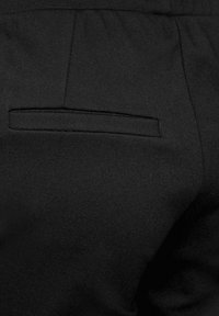 Cecil - LOOSE FIT - Tracksuit bottoms - schwarz - 5