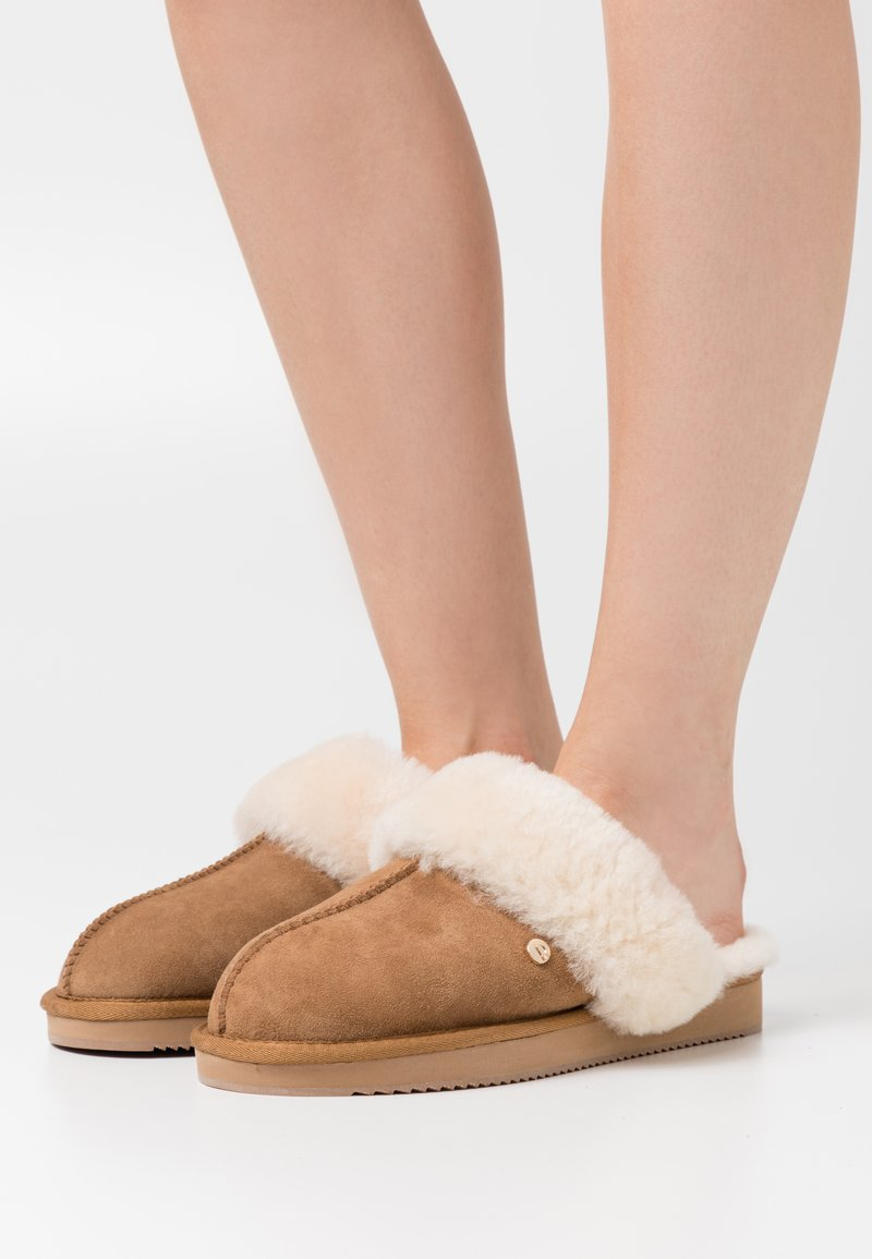 Mexx - BLIXA - Slippers - chestnut