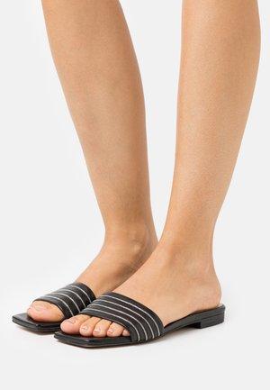 SLIM CHAIN AVE - Pantofle - black