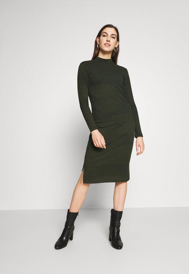 SOFINA DRESS - Jumper dress - rosin