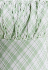 Hollister Co. - RUCHED TIE STRAP DRESS  - Kjole - green - 5
