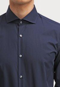 HUGO - JASON SLIM FIT - Formal shirt - navy - 4