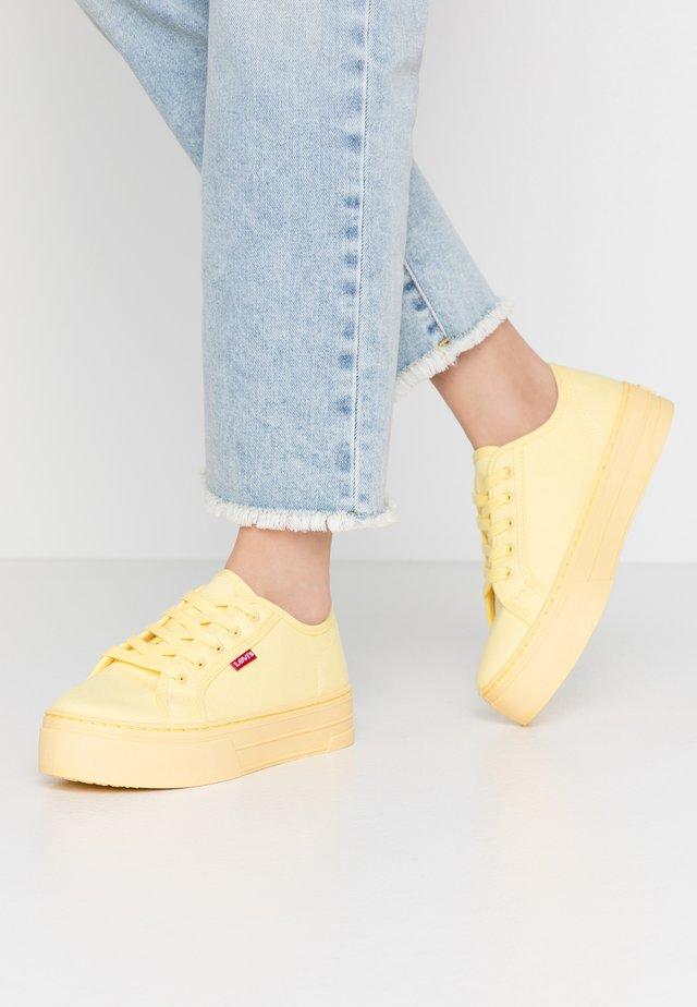 TIJUANA - Zapatillas - pastel yellow