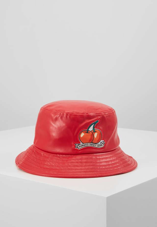 CHERRY BUCKET HAT - Hoed - red