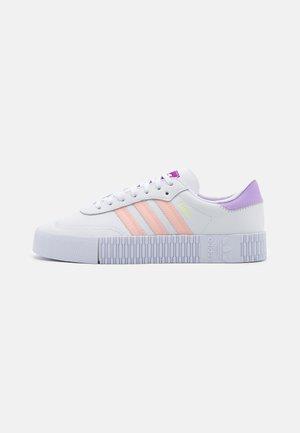 SAMBAROSE SPORTS INSPIRED SHOES - Sneaker low - footwear white/hazel coral/shock purple
