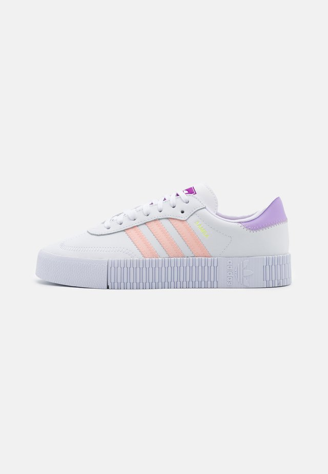 SAMBAROSE SPORTS INSPIRED SHOES - Sneakersy niskie - footwear white/hazel coral/shock purple