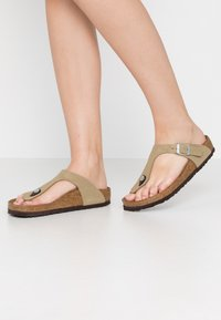 Birkenstock - GIZEH - Infradito - brushed mud green - 0