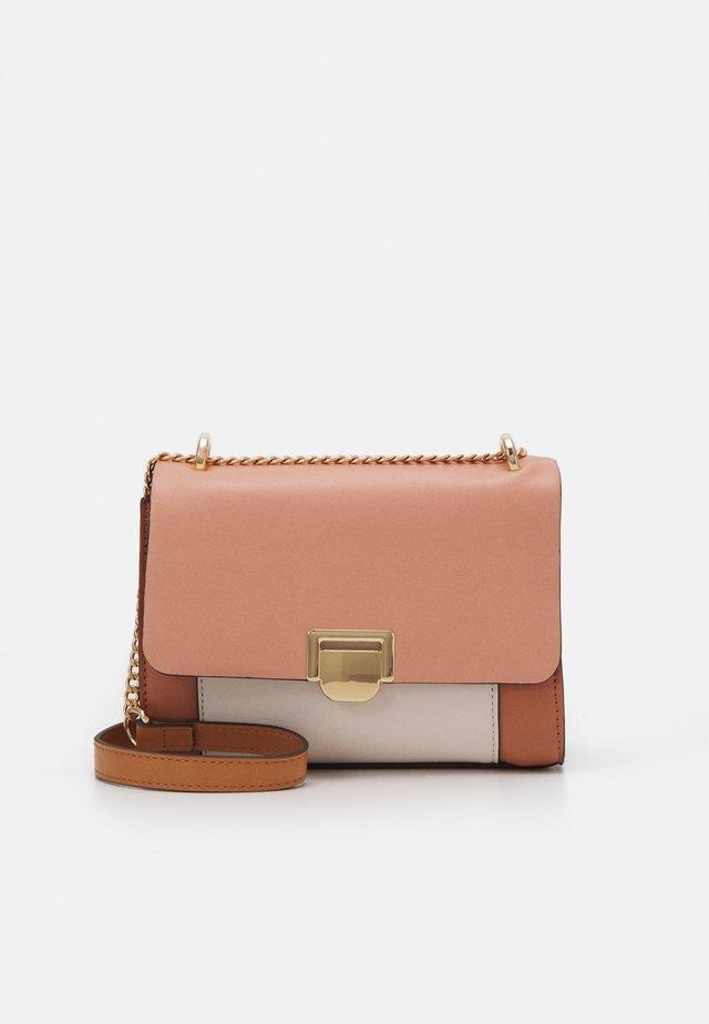 CROSSBODY BAG - Across body bag - pink
