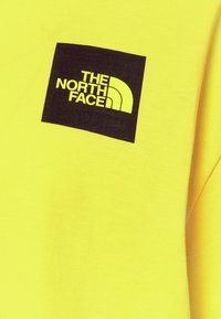 The North Face - CROPPED FINE TEE - Triko s potiskem - sulphur spring green - 6