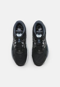 New Balance - EVOZ - Scarpe running neutre - black/grey - 3