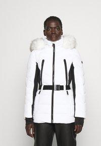 MICHAEL Michael Kors - COLOR BLOCKED BELTED PUFFER COAT - Winter jacket - white/black - 0