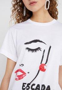 Escada Sport - EKOMIKI - T-shirt con stampa - white - 4