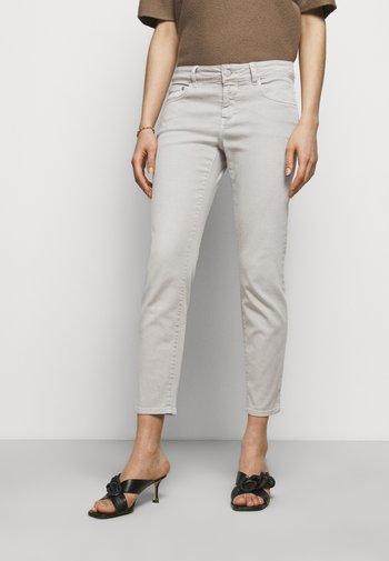 BAKER - Slim fit jeans - resin