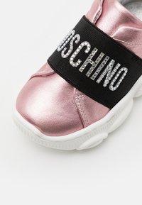 MOSCHINO - Zapatillas - light pink - 5