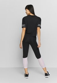 Nike Performance - CROP - Medias - infinite lilac/black/metallic silver - 2