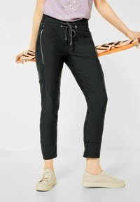 Street One - LOOSE FIT - Trousers - grün - 0