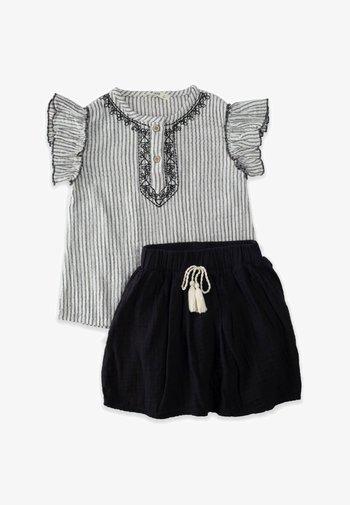 SET - Pleated skirt - stone