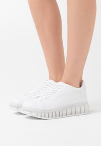 Nly by Nelly - TRANSLUCENT RETRO  - Sneakers laag - white - 0