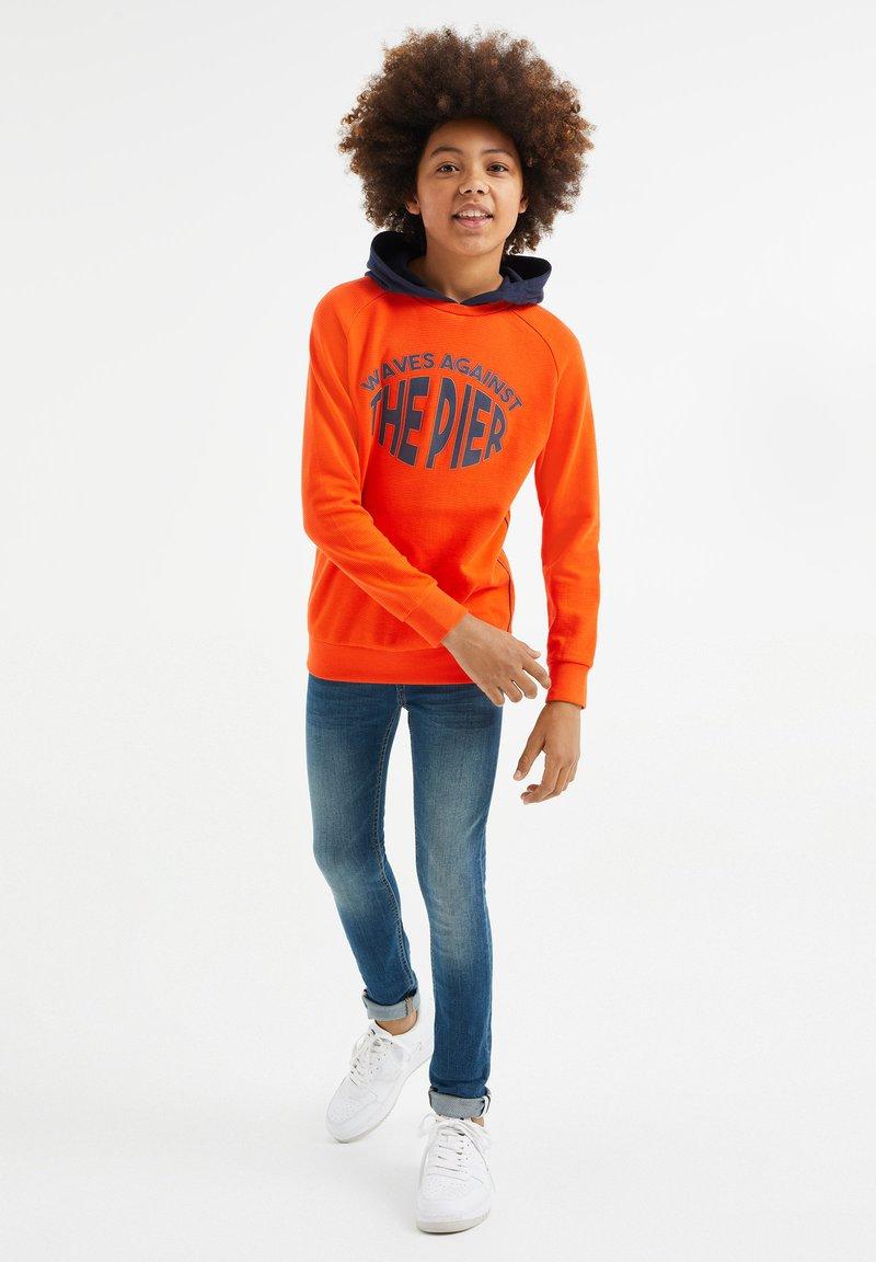 WE Fashion - Hoodie - red orange